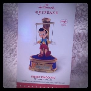 Disney Hallmark Keepsake Ornament with Sound!